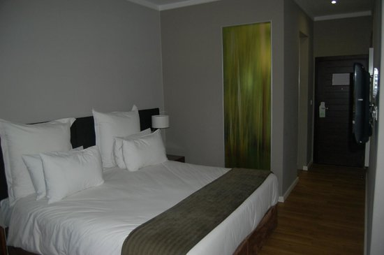 Cresta Lodge Harare: Comfortable room