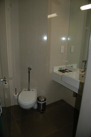 Cresta Lodge Harare: Clean and working bathroom