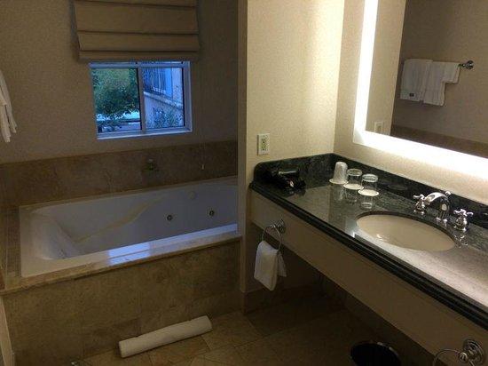 The Westin Palo Alto: Great bathroom