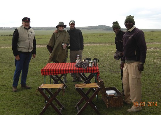 Great Plains Conservation Mara Expedition Camp: Bush breakfast in Masaai Mara