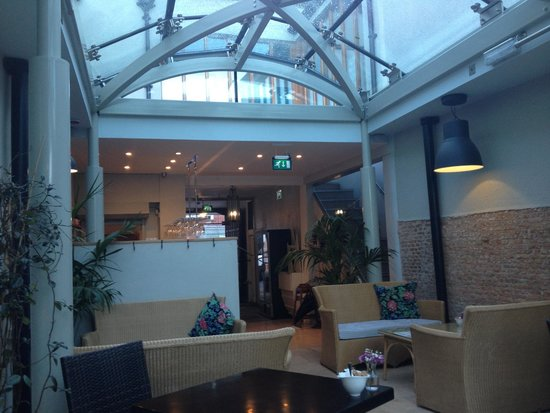 The Salutation Inn: Breakfast in the conservatory