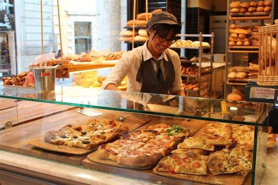 Menchetti: Simpatica commessa banco pizza