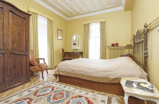 Hotel Turkoman: CORNER ROOM