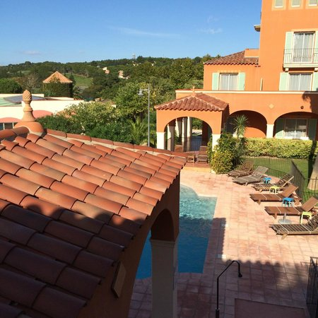 Palmyra Golf Hotel: over looking the outdoor pool