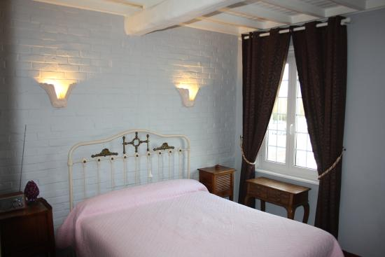 Sars-Poteries, Frankrike: Room 7
