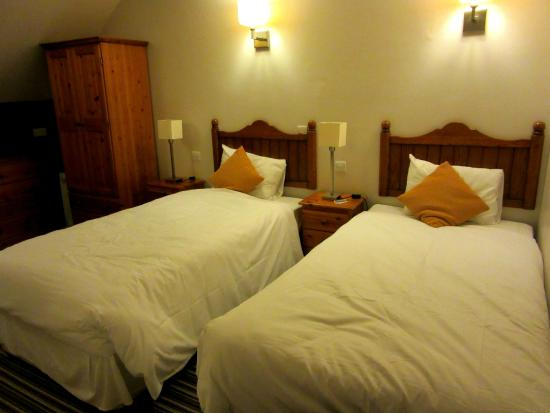 Innkeeper's Lodge- Aylesbury South Weston Turville: Twin room