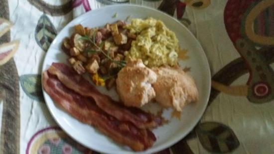 Murski Homestead B&B: Breakfast