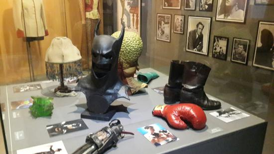 Film Museum (Museu del Cinema) : Даже маска Бетмена.... супер..