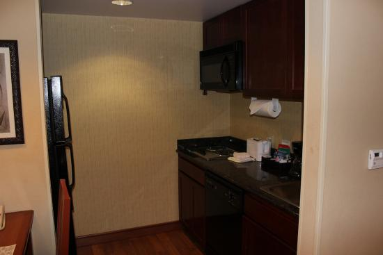 Homewood Suites by Hilton Agoura Hills: Kitchen Area
