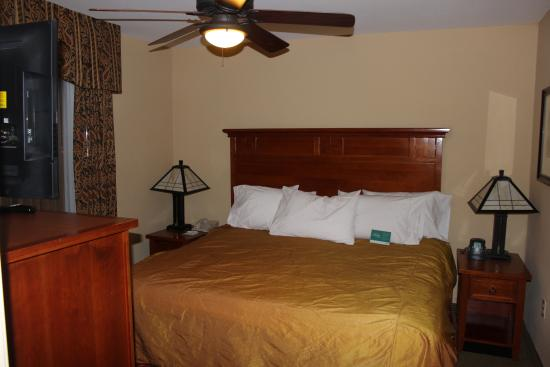 Homewood Suites by Hilton Agoura Hills: Bedroom
