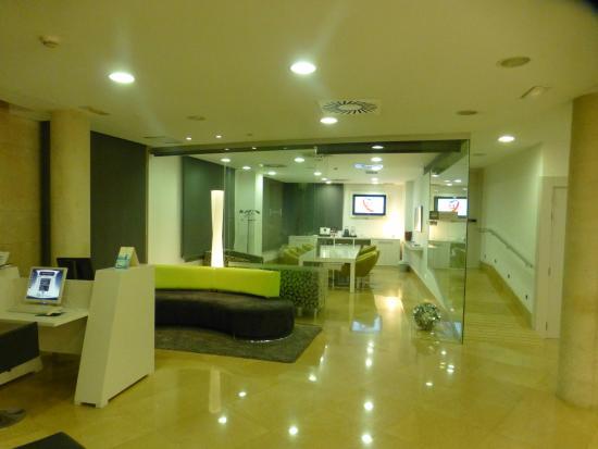 Hesperia Ramblas: l'accueil de l'hôtel