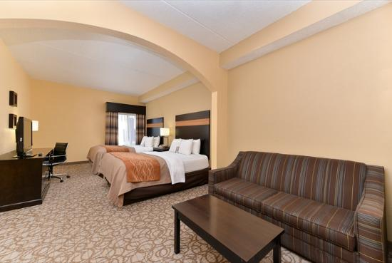 Comfort Inn & Suites at Stone Mountain: 2 Queens Bedroom Suite