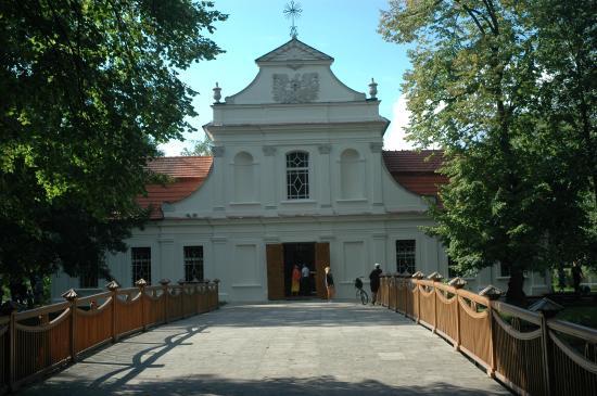 Zwierzyniec, بولندا: Church on Isle/Kościół na Wyspie