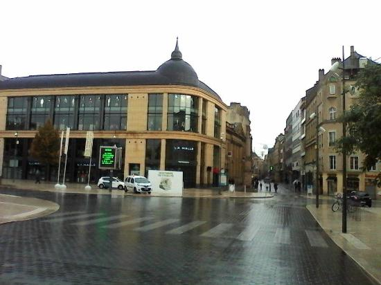 La rue serpenoise picture of hotel premiere classe metz for Parc des expositions de metz