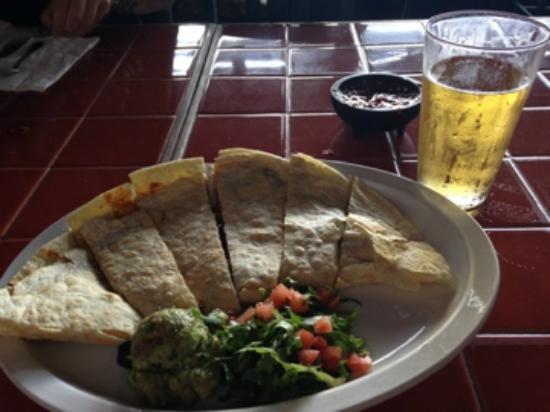 El Chorlito Mexican Restaurant : deliciosa quesadilla