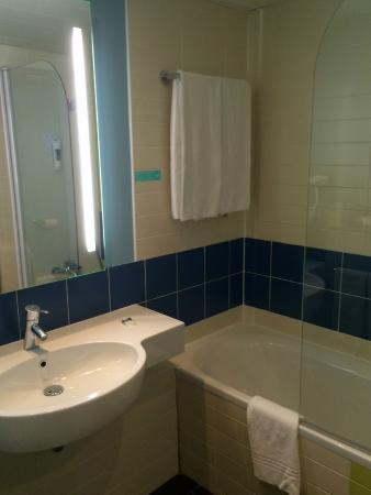 Mercure Massy Gare TGV: Bathroom