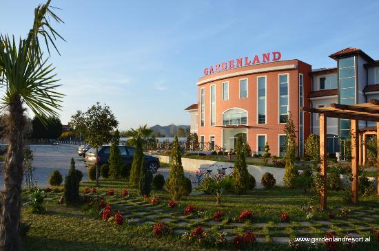 Marvelous Gardenland Resort