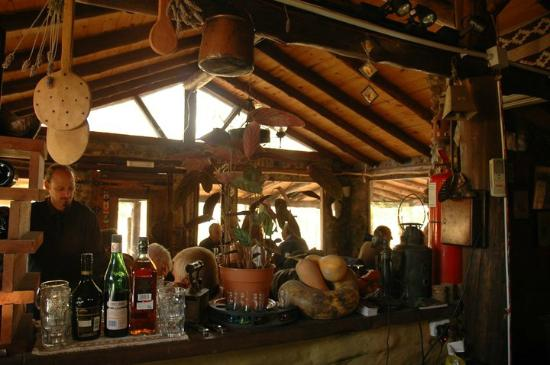 Variedad de fiambres acompa ada con pan casero picture for Cocinas de campo