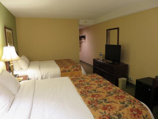 Hotel Carlingview Toronto Airport : ツインの部屋