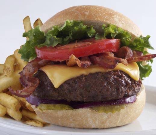 Montana Mike's Steakhouse: Summit Burger