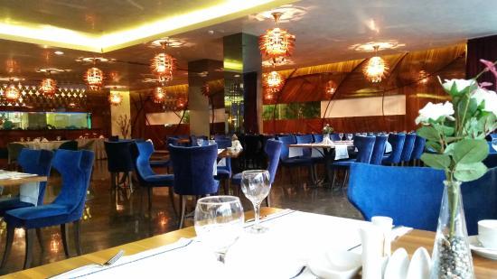 Gold Majesty Hotel : المطعم