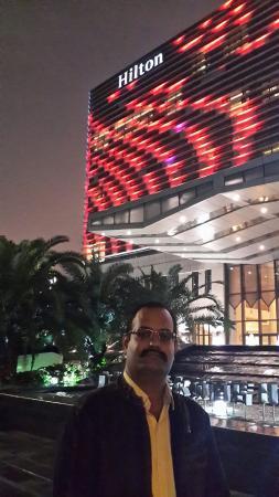 Hilton Guangzhou Baiyun: Outside facade