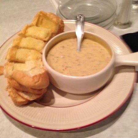 Snug Tavern & Grill: Awesome Crab Dip!