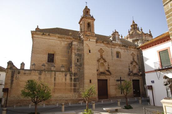 Вид на церковь: fotografía de Iglesia de Santa María de la Asunción, Carmona ...