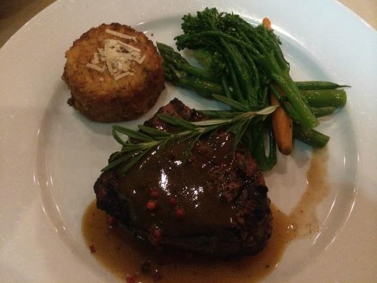 Table 34 : Buffalo steak with risotto cake and fresh vegetables