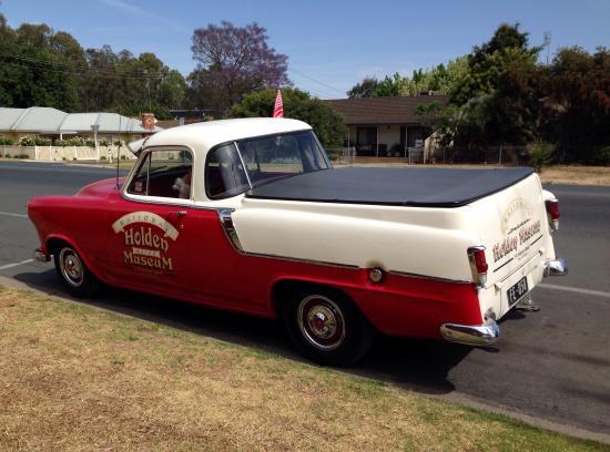 National Holden Motor Museum : Echuca: Model UTE outside Museum from 1950s