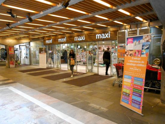 Centro Commerciale Maxi