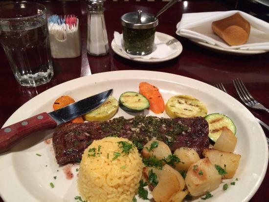 Saldivia's South American Grill : Empaña steak