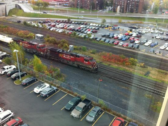 Fairfield Inn & Suites by Marriott Montreal Airport: View of passing train from our room