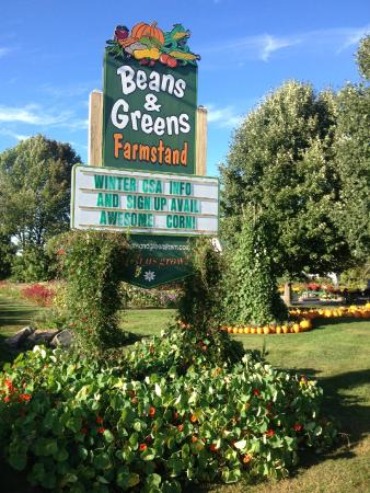 Gilford, NH: The food goes on year round!