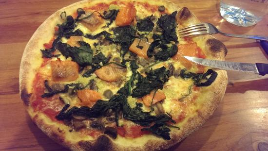 Ristorante Pizzeria Paradiso Da Toni: Smoked Salmon Pizza