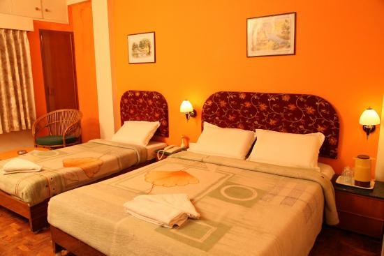 Hotel Grand Palace: triple room