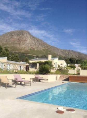 La Cabriere Country House: a nice view from swiming pool������