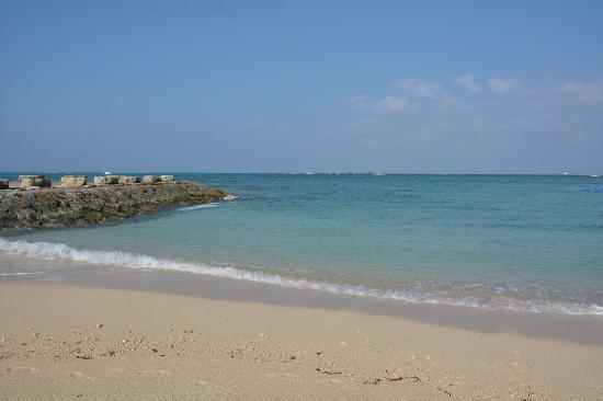 Zanpa Beach: きれいなビーチ