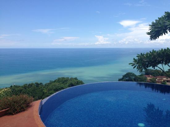 Anamaya Resort & Retreat Center: Pool and horizon