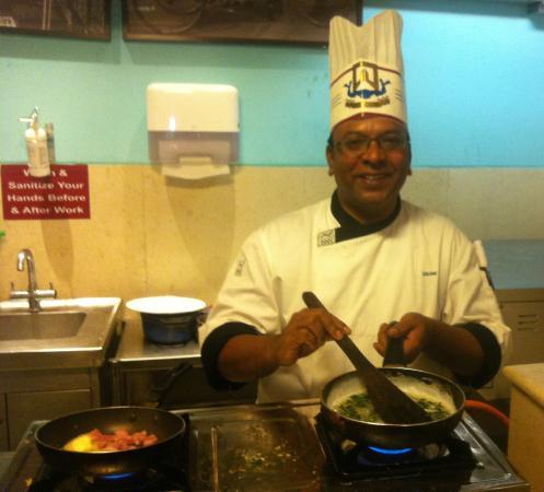 ITC Kakatiya: The Genial Chef Srini!