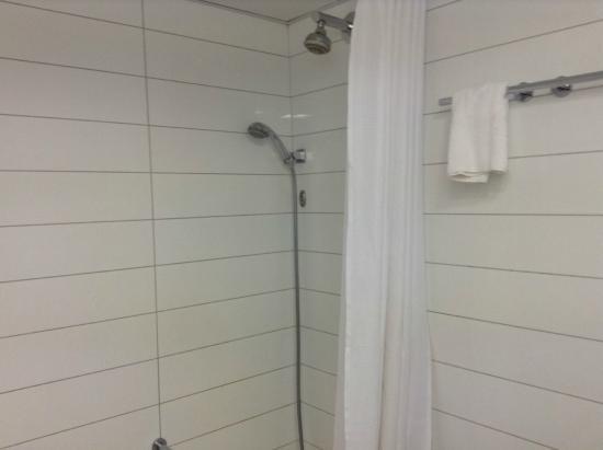 Leonardo Hotel Tiberias: Towels & toiletries provided