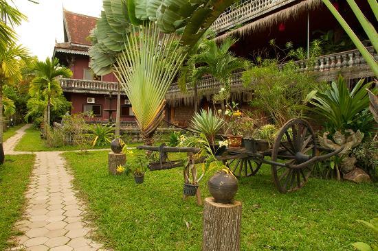 Angkor Spirit Palace : Garden
