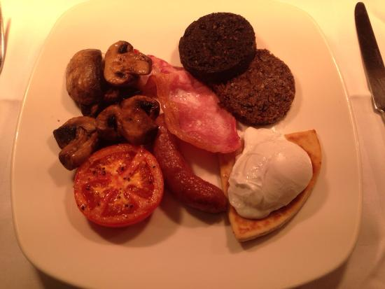 The Inn at Lathones Restaurant: Full Scottish �� we'll presented