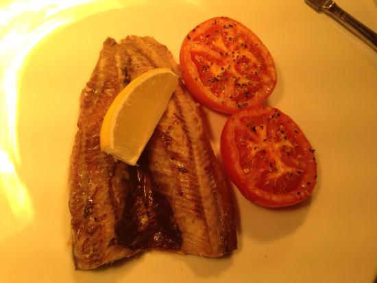 The Inn at Lathones Restaurant: For breakfast Smoked kipper n tomato mmmmm