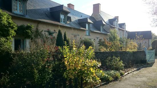Grez-Neuville, France : Le manoir