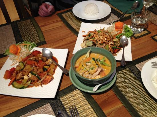 Thai Po Thong: Delicious Food!