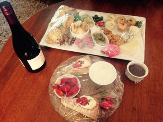Balingup Jalbrook Cottages: Our amazing platters from the owners x
