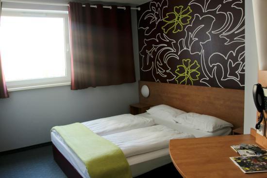 B&B Hotel Muenchen City-Nord: Комната