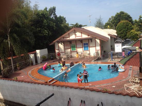Kemunting Beach Resort Pengkalan Balak