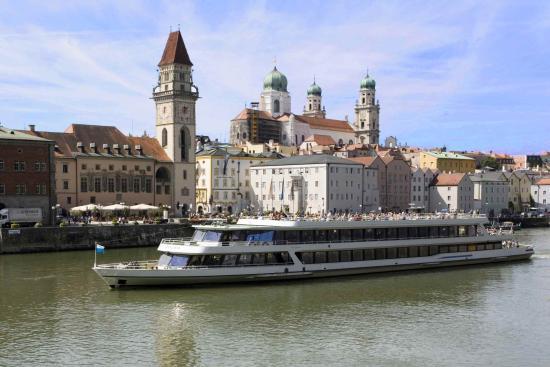 Donauschiffahrt Wurm + Köck: MS Regina Danubia